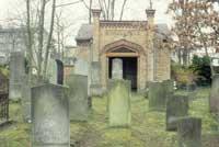 Erinnerungsstätte an jüdisches Leben in Brandenburg: der jüdische Friedhof von Oranienburg